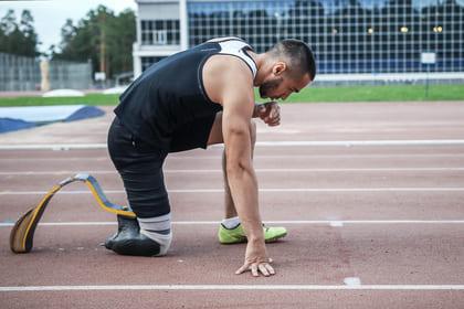Sportler mit Prothese